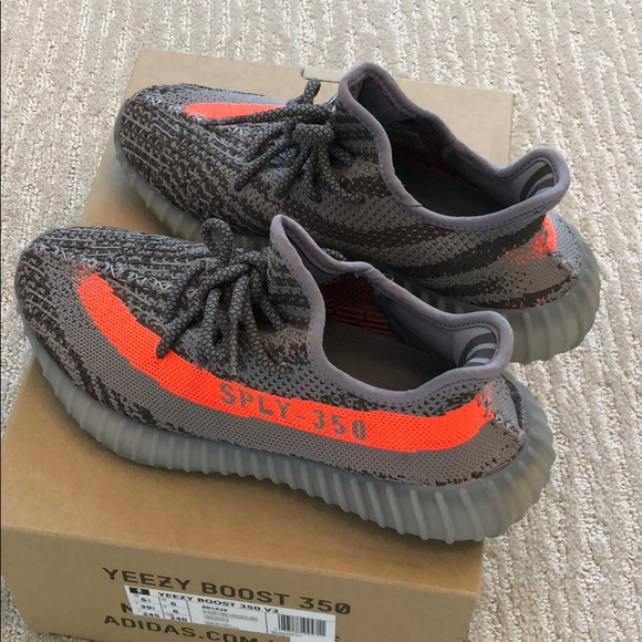 best service ddb05 16aa6 Authentic Yeezy Boost 350 V2 size 6 1 2. M 5ab4fac6a6e3ea4a075fda4f
